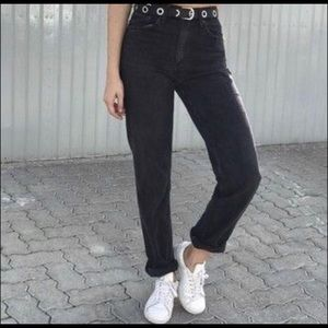 Levi's Vintage Relaxed Fit Tapered Leg Mom Jeans